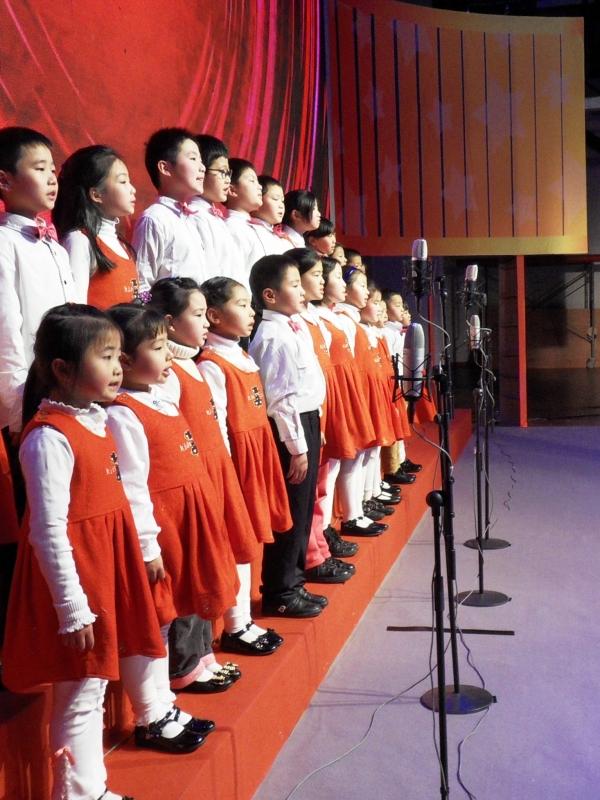 参加浦东电视台孝动人物颁奖演出